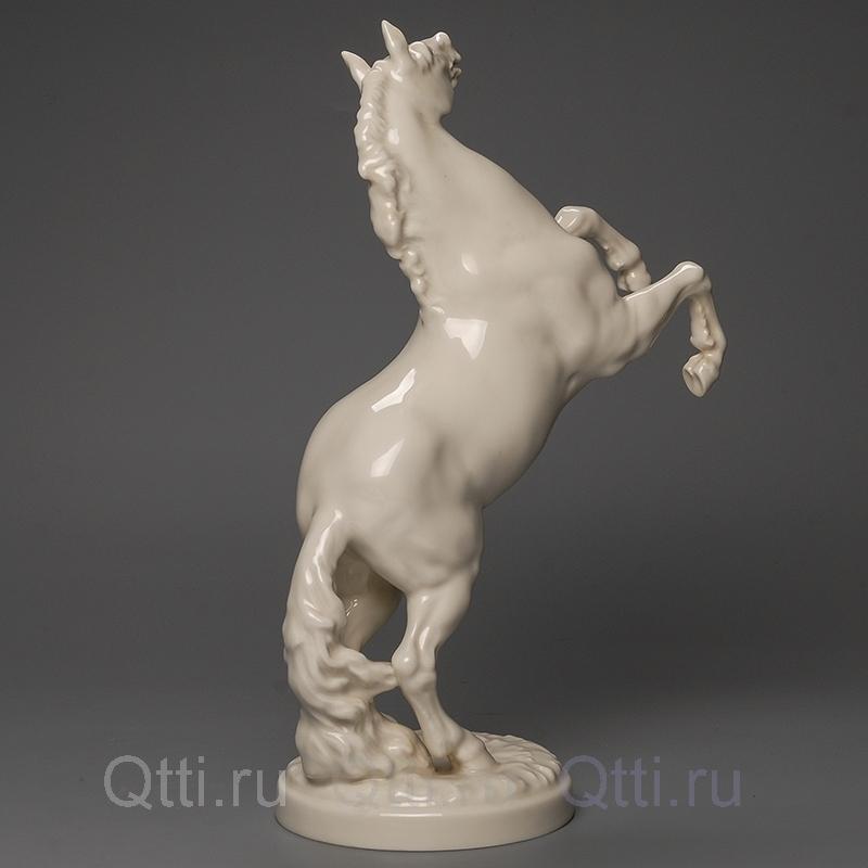 """Статуэтка """"Конь на дыбах"""", Германия"""