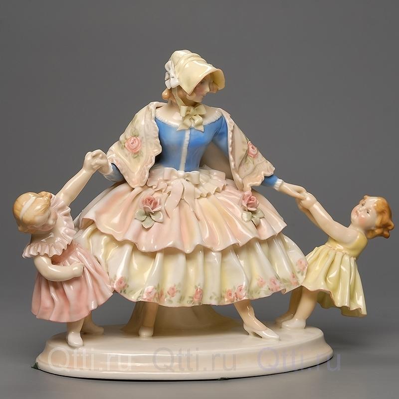 """Статуэтка """"Дама и дети"""", Karl Ens"""