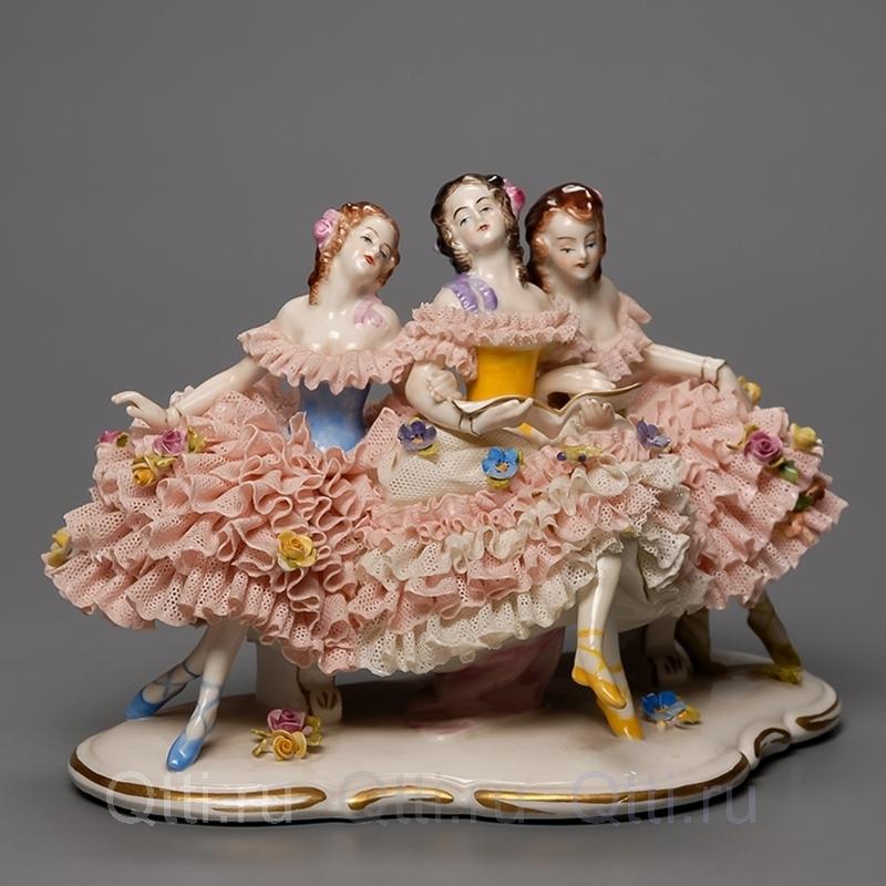 "Cтатуэтка ""Девушки"", Unterweissbach"