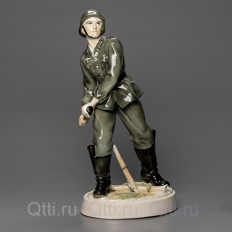"Статуэтка ""Германский солдат"", Karl Ens"