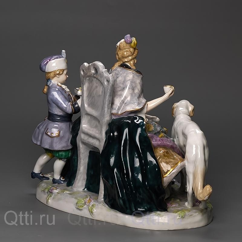 """Статуэтка """"Дама и паж"""", Karl Ens"""