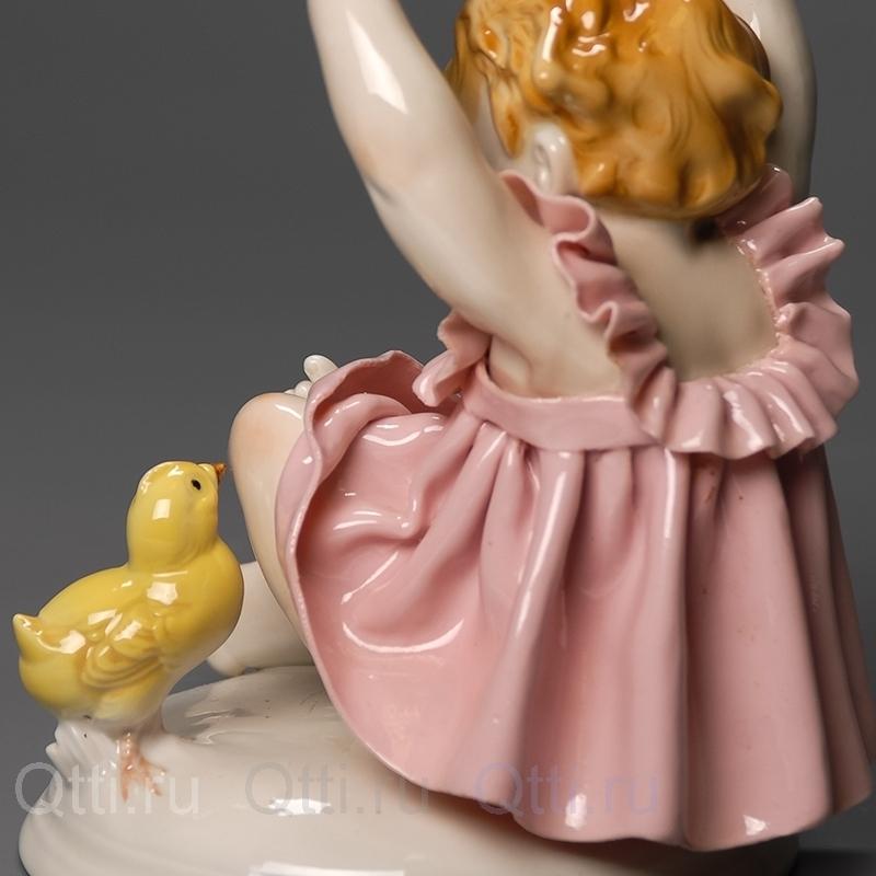 """Статуэтки """"Девочка и цыплёнок"""", Karl Ens"""