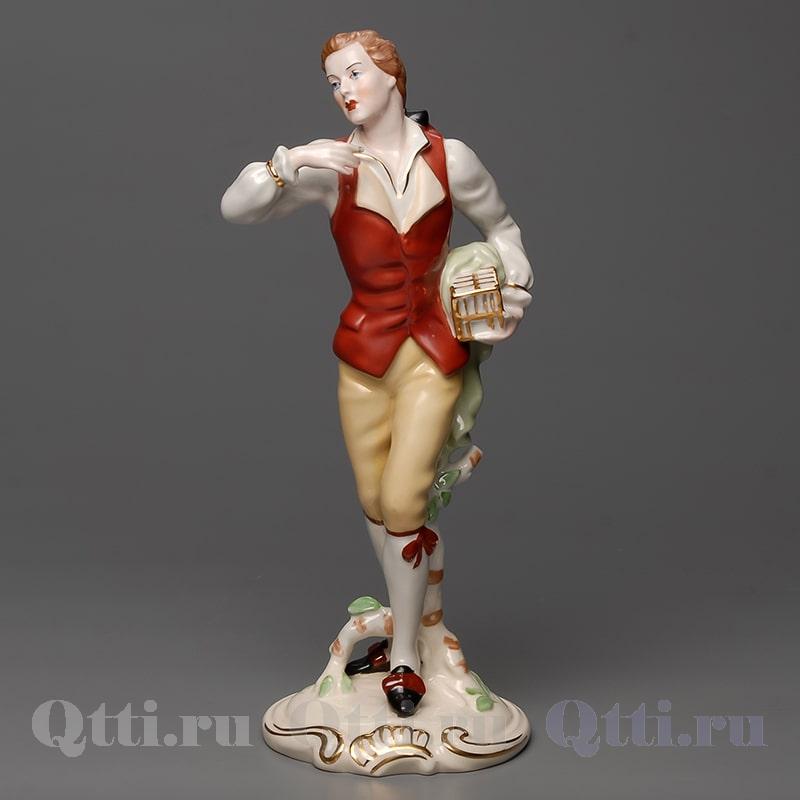 "Статуэтка ""Девушка с цветами""  Royal Dux"