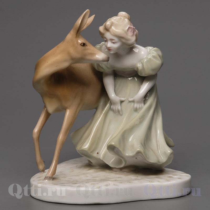 "Статуэтка ""Девушка и оленёнок"" Passau"