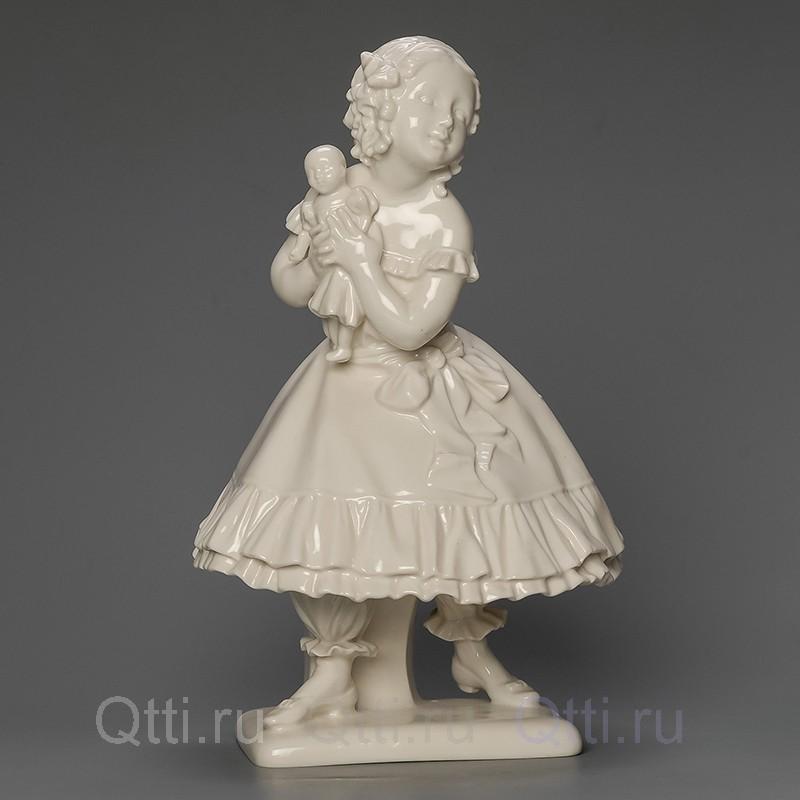 """Статуэтка """"Девочка с куклой"""", Германия"""
